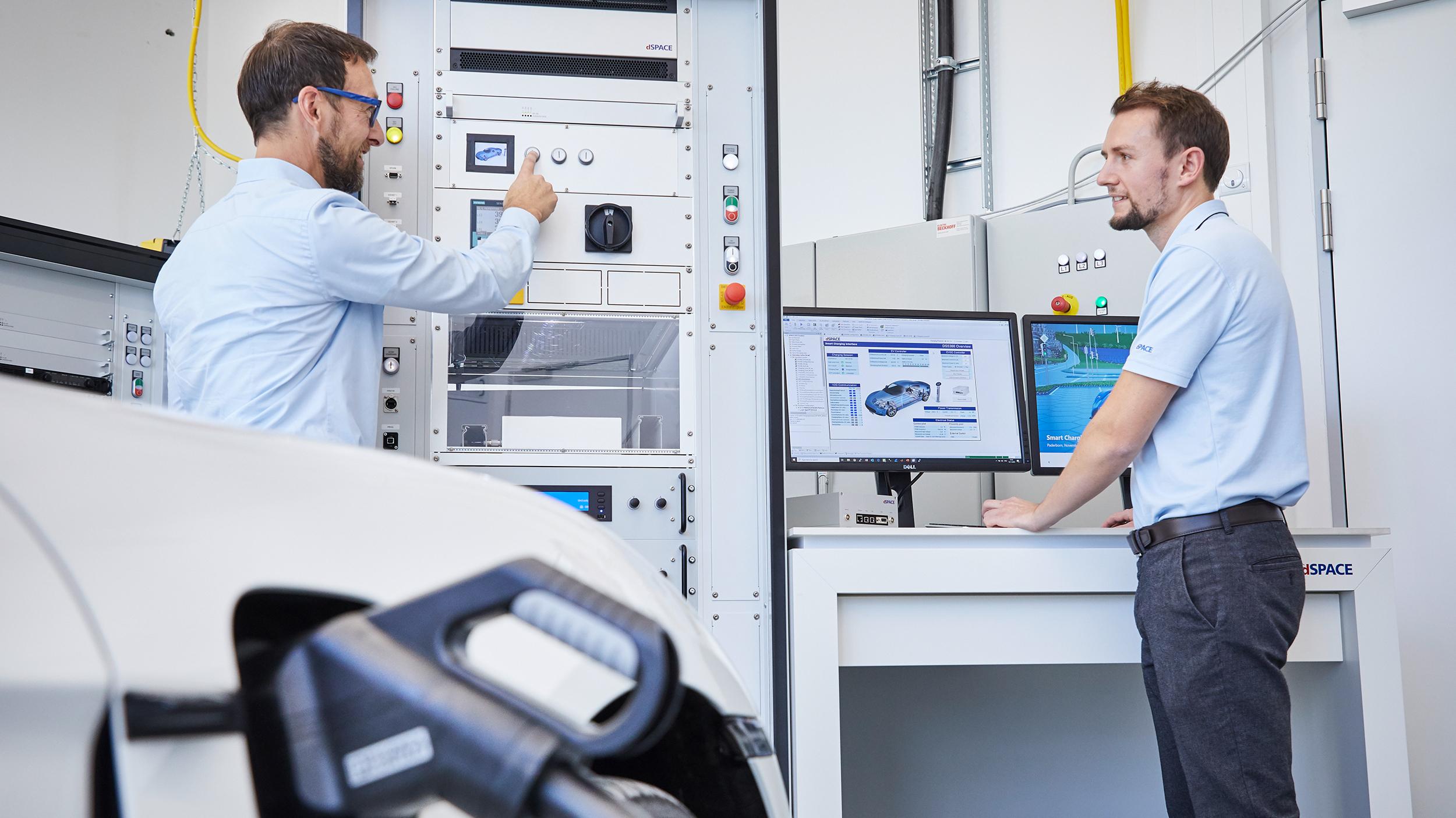 新しいスマート充電ステーションエミュレータにより、最大充電電力でのテスト実行が可能に